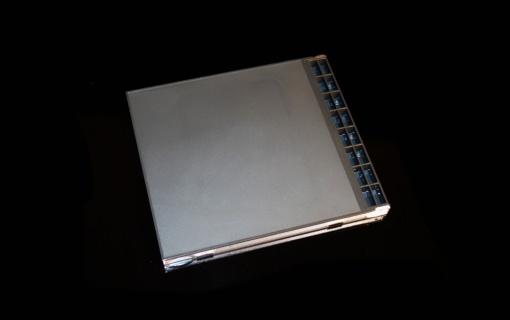 HuCard Dark Case (02)